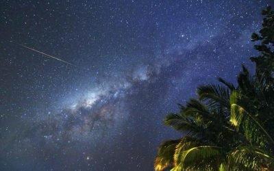 """Un """"Guru del cielo"""" di un resort delle Maldive dimostra che guardare le stelle fa avverare un lavoro da sogno"""